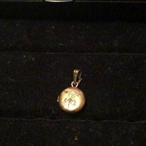 💥🔥💥VINTAGE Gold Filled Miniature Heart Locket